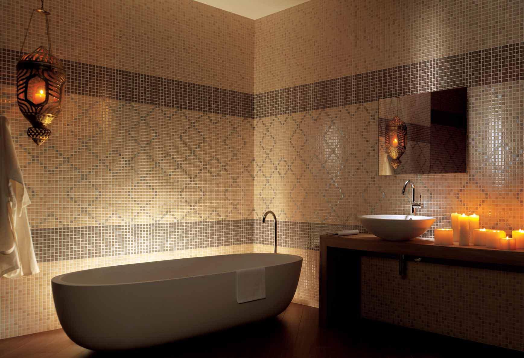 Ванна выложенная плиткой фото